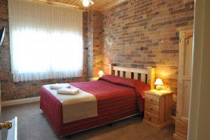 Room View Black Gold Motel